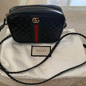 100% AUTHENTIC GUCCI quilted web crossbody
